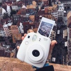 Instax mini white
